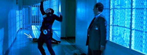 Киноляп: Куда делась охранница?