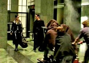 Сцена в холле